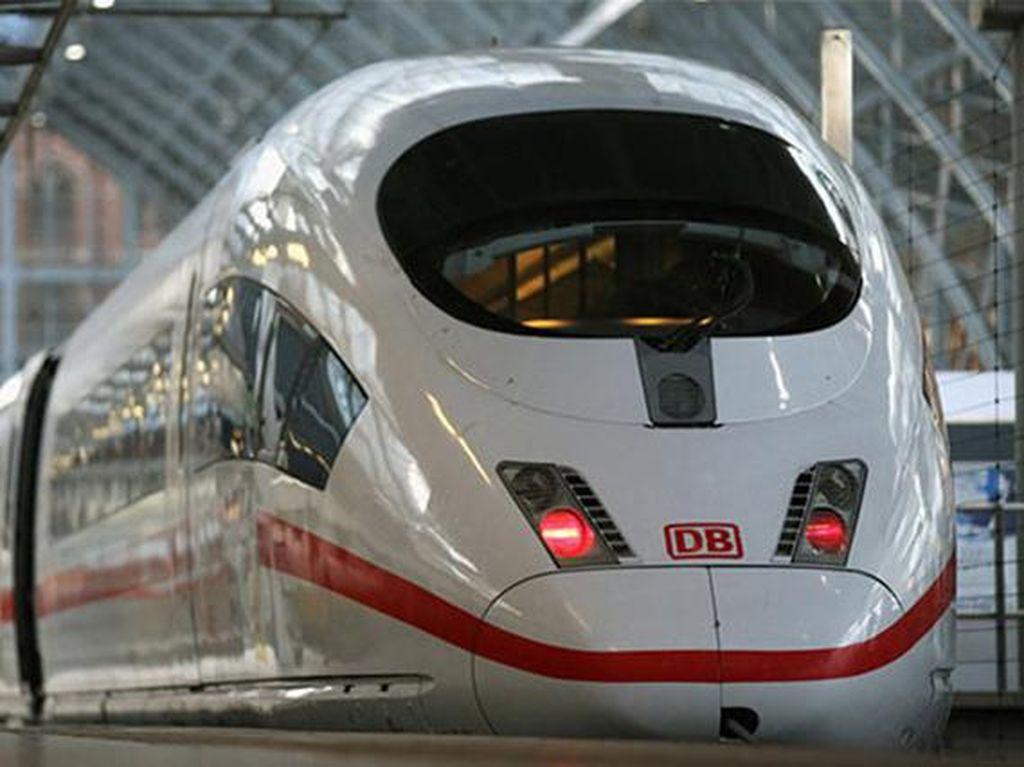 ICE3 di Jerman dengan kecepatan 318 km/jam. Kereta ini diproduksi oleh Deutshe Bahn. (Chinadaily)