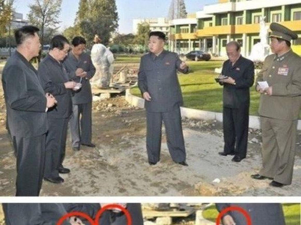 Di sini Kim Jong Un tampak menghadiri peresmian sebuah rumah sakit. Kenyataannya, dia tidak pernah hadir dengan melihat beberapa keanehan yang ada. Foto: Istimewa