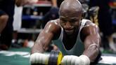 <p>Latihan terbuka untuk media digelar Floyd Mayweather Jr di Mayweather Boxing Club, Las Vegas, Amerika Serikat, 10 Agustus 2017 waktu setempat. (REUTERS/Las Vegas Sun/Steve Marcus)</p>