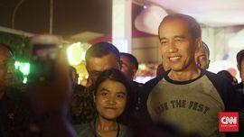 Jokowi Mendadak Muncul di Tengah Aksi Charli XCX di WTF 2017