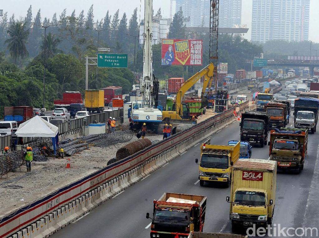 Tol ini dibangun dengan investasi sebesar Rp 16,23 triliun oleh Badan Usaha Jalan Tol (BUJT) dengan konsorsium PT Jasa Marga (Persero) Tbk dan PT Ranggi Sugiron Perkasa.