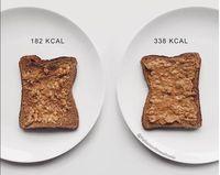 Ia juga bicara soal invisible calories. Makanan sehat kadang menjadi tidak sehat ketika diberi dressing macam-macam. (Instagram: @thefashionfitnessfoodie)