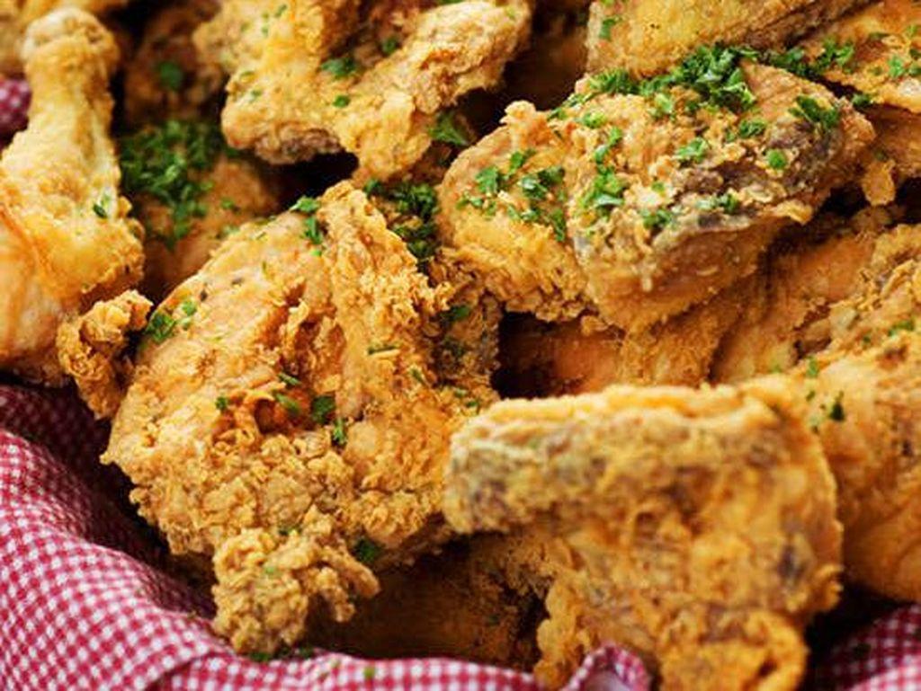 Saratoga Springs, New York memiliki suasana restorannya yang klasik dengan sajian ayam goreng autentik sejak 1938. Foto: Istimewa