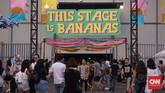 <p>Area pertunjukan terbagi dalam tiga bagian, yakni panggung utama WTF Stage, panggung This Stage is Bananas yang terletak di dalam ruangan, serta Another Stage.</p>