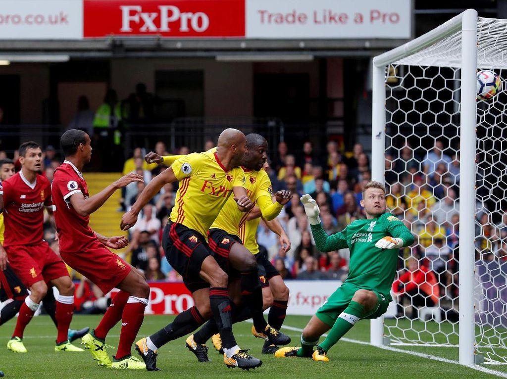 Stefano Okaka membawa Watford unggul duluan di menit kedelapan lewat gol sundulannya (Foto: Andrew Couldridge/Reuters)