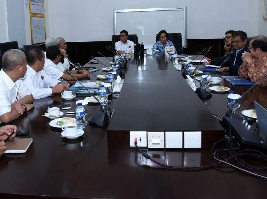 Sri Mulyani, rapat dengan Jonan itu membahas masalah Freeport. Pool/dok. Kementerian ESDM.