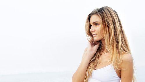 Ini Dia Sjana Elise, Instruktur Yoga Cantik yang Juga Pernah Dibully