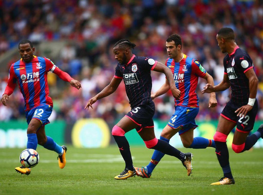 Meski bermain tandang, mereka bisa mengimbangi Palace. Penguasaan bola mereka 43 persen dalam data yang dilansir situs resmi Premier League. (Foto: Dan Mullan/Getty Images)