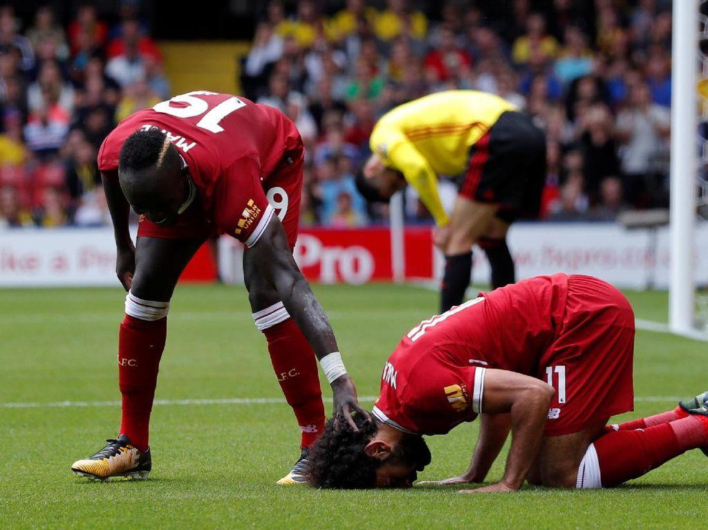 Perayaan gol khas Mohamed Salah. Salah menandakan comeback ke Premier League dengan gol (Foto: Action Images via Reuters / Andrew Couldridge)