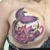 Tato mastektomi dianggap sebagai salah satu bentuk upaya rekonstruksi payudara selain bedah plastik. (Foto: Instagram/teganink)