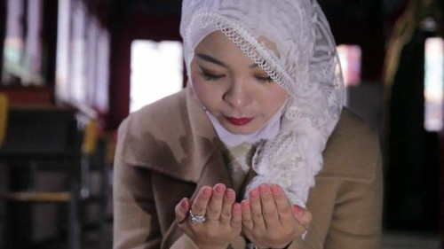 Berhijab di Tiongkok, Muslimah Ini Dikatai Gila