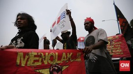Polisi Adang Demo Mahasiswa Papua Tuntut Penutupan Freeport