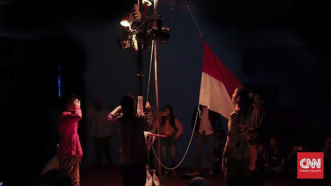 Teater Keliling Bangkitkan 'Sang Saka' yang Terbenam