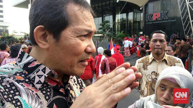 Main Saksofon, Saut Sindir Jokowi Absen di Hari Antikorupsi