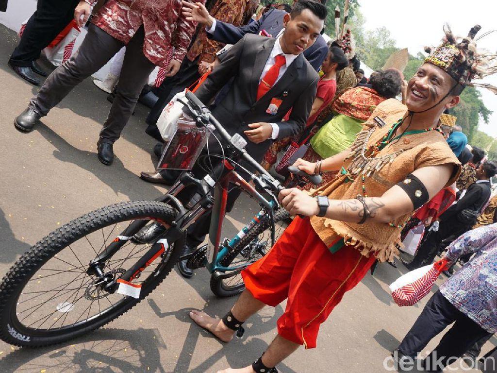 Kalau ini Syarif, asisten ajudan yang juga dapat sepeda. Foto: Bagus Prihantoro Nugroho/detikcom