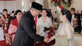 Pesan Politik di Balik Jabat Tangan SBY-Megawati