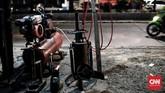 <p>Jasa tambal ban darurat Green Nitrogen tersebut rencananya akan bisa diakses lewat layanan otomotif Go-Auto dari Go-Jek. (CNN Indonesia/Andry Novelino)</p>
