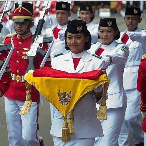 5 Fakta Fariza Putri Salsabila, Pembawa Baki Bendera Pusaka 1