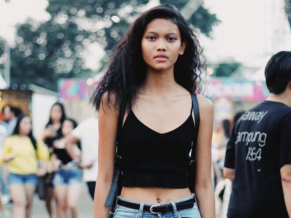 Foto: Eksotisme Laras Sekar, Model Indonesia yang Eksis di Paris Fashion Week