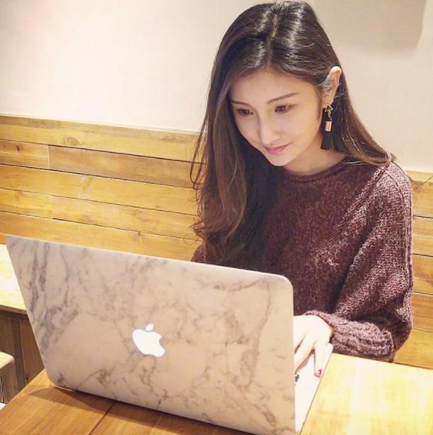 Inikah Fans Apple Paling Cantik?