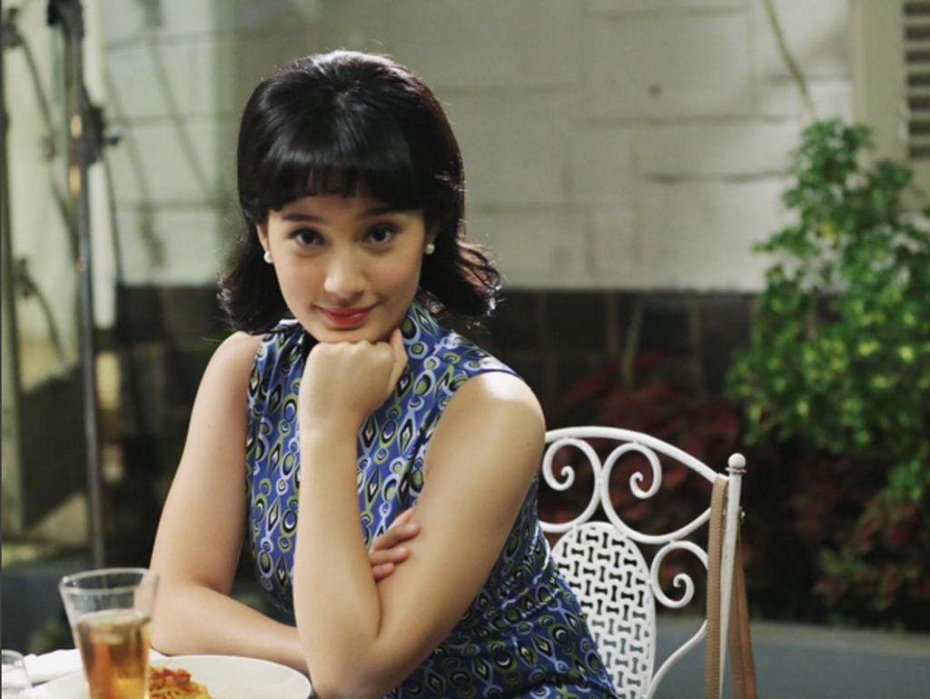 GayaTatjana kala memerankan film Sweet 20. (Foto: instagram/tatjanasaphira)