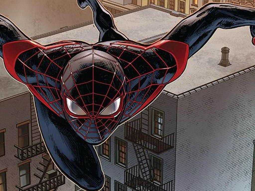 Kostum yang didominasi warna hitam ini dibuat tahun 2011 dan digunakan bukan oleh Peter Parker, melainkan seorang bernama Miles Morales. Diceritakan Peter Parker meninggal dalam aksinya di Ultimate Universe. Foto: istimewa