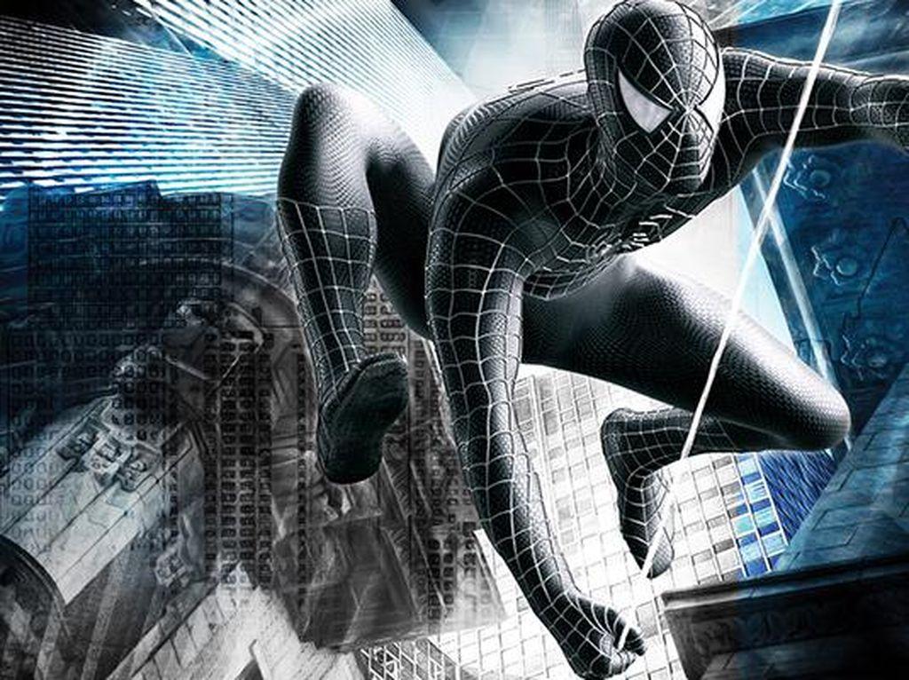 Kostum ini hadir di film Spider-Man 3 di tahun 2007. Kostum Spider-Man berubah hitam lantaran Symbiote yang menjangkitinya. Foto: istimewa