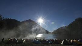 Kebakaran Hutan, Jalur Pendakian Gunung Semeru Ditutup