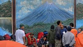 Gunung Semeru Gempa, Pendaki Dilarang ke Puncak Mahameru