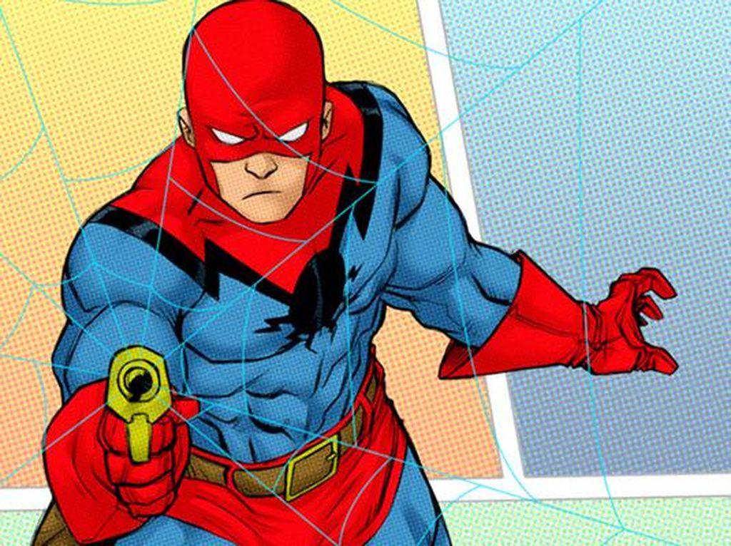 Konon ini adalah sketsa kostum prototipe Spider-Man. Selain bagian hidung dan mulutnya terbuka, senjata yang dipakai juga bukan gelang, melainkan seperti pistol namun menembakkan jaring. Kostum ini kabarnya dibuat oleh Jack Kirby, sebelum tahun 1962. Foto: istimewa