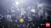 Dalam acara tepat setahun sebelum dimulainya Asian Games 2018 itu, grup musik hip hop Amerika Serikat, Far East Movement juga ikut meramaikan acara tersebut. (CNNIndonesia/Adhi Wicaksono)
