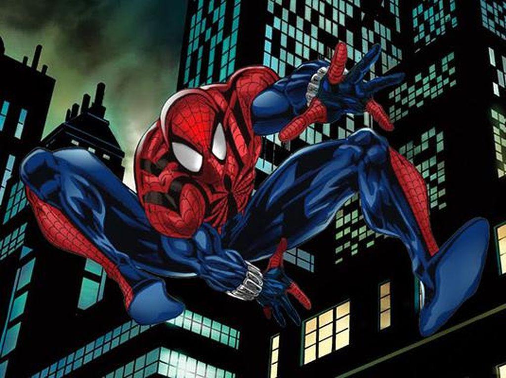 Sensational Spider-Man namanya. Kostum yang dibuat pada tahin 1996 ini merupakan lanjutan dari Scarlet Spider-Man yang diperankan oleh Ben Reilly yang mengambil alih tugas Peter Parker yang dianggap sudah pensiun. Foto: istimewa