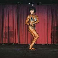 Terlahir sebagai wanita berdarah latino memang sempat membuatnya dipandang sebelah mata. Namun ia membuktikan dirinya dengan memenangi berbagai macam gelar dan piala kejuaraan bodybuilding di Amerika Serikat. (Foto: Facebook/Josefina Monasterio)