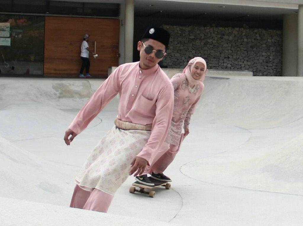 Viral, Pasangan Muslim Hipster yang Foto Pernikahannya Main Skateboard