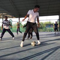 Futsal juga salah satu olahraga yang digemari pria berdarah campuran Malaysia, China, dan India ini. (Foto: Instagram/iamkumbre)