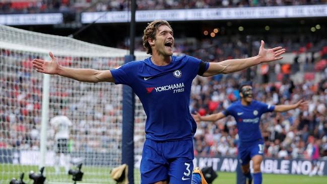 Penderitaan pemain-pemain Spanyol di Chelsea makin bertambah karena Marcos Alonso juga tak dipanggil. Padahal Alonso tampil bagus bersama Chelsea sepanjang musim. (Reuters/Andrew Couldridge)