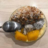 Tidak hanya berolahraga, Engku Emran juga menerapkan makanan sehat sehari-harinya. (Foto: Instagram/iamkumbre)