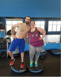 Suaminya yang sejak awal gemar olahraga dan memiliki komitmen untuk hidup sehat juga menjadi motivasinya untuk turunkan berat badan. Foto: Instagram/edasclimb