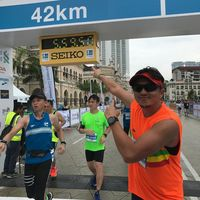 Duda beranak satu ini juga gemar olahraga lari, ia mengikuti perlombaan marathon 42k. (Foto: Instagram/iamkumbre)