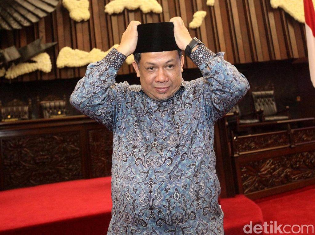 Fahri juga pernah menuding kasus e-KTP yang diusut KPK omong kosong. Jadi gini loh, percaya, kasus e-KTP itu omong kosong. Permainannya Nazaruddin sama Novel, dan Agus Rahardjo. Udah percaya, bohong semua ini, masak ada rugi Rp 2,3 triliun, dari mana ruginya, ujar Fahri di kompleks parlemen, Senayan, Jakarta, Selasa (4/7/2017).
