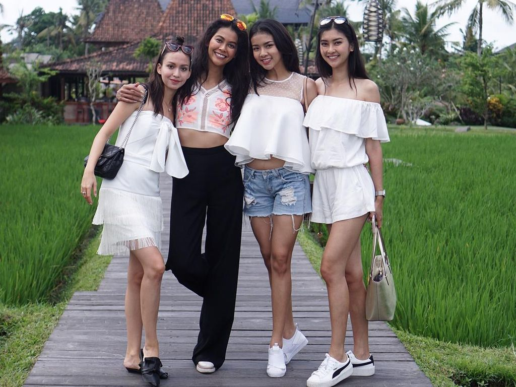 Foto: 10 Puteri Indonesia yang Jadi Kontroversi Karena Pakai Bikini