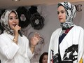 Hijab Dian Pelangi Jadi Sorotan di New York Fashion Week