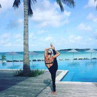 Metode fitnes Simone sendiri beragam, mulai dari menari, angkat beban, hingga yoga. (Foto: instagram/bodybysimone)