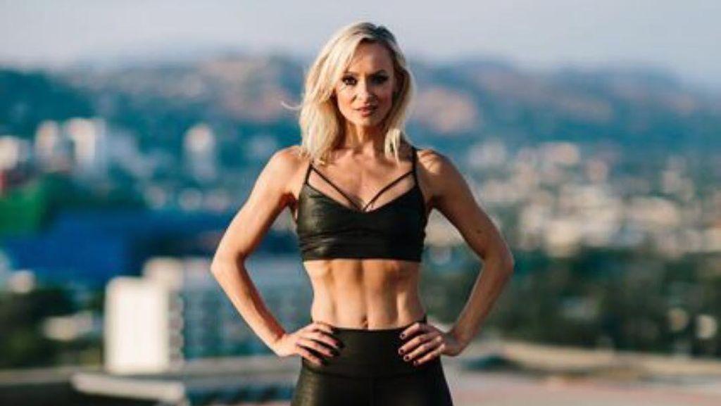 Tubuh Seksi dan Perut Sixpack Ala Personal Trainer Seleb Hollywood