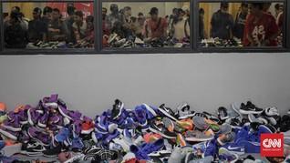 Produsen Nike dan Adidas Khawatirkan Perang Dagang