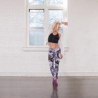 Memiliki latar belakang sebagai penari profesional, tak jarang Simone memasukkan unsur-unsur menari dalam kelasnya. (Foto: instagram/bodybysimone)