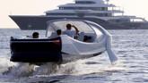 SeaBubbles berambisi merevolusi perjalanan di perkotaan melalui moda transportasi air. (REUTERS/Philippe Laurenson)