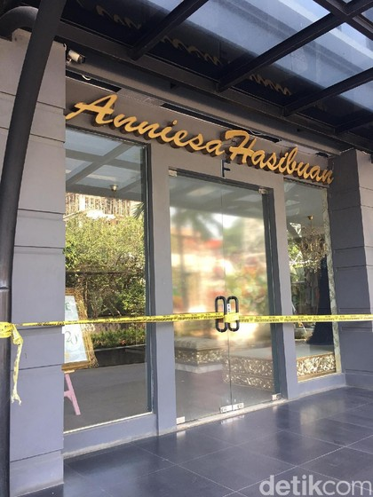 Bos First Travel Ditangkap, Butik Anniesa Hasibuan Tutup Setelah Lebaran