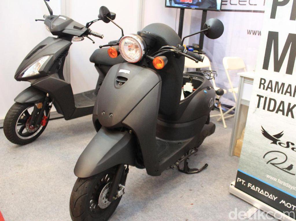 Motor listrik ini dibanderol cukup murah. Seahawk dijual dengan harga Rp 15 juta sedangkan Robin Rp 12 juta.Foto: Rangga Rahadiansyah