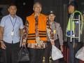 Tol Laut Jokowi: Ambisi, Korupsi dan Desakan Mundur Menhub